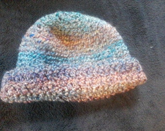 Adult medium hat, soft yarn