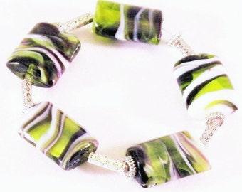 Glass Bead Green Black White Swirl Bracelet.