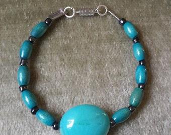 Green, black, silver bead Bracelet
