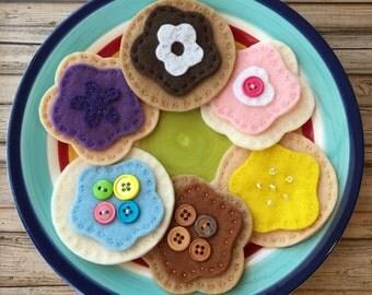 felt play food cookies, felt cookies, pretend play food cookies