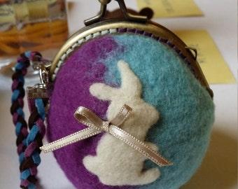 Little woolfelt coins bag