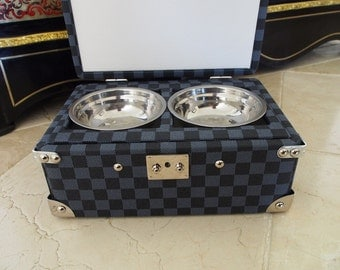 Bowls, bowls for dog, cat in travel trunk french style