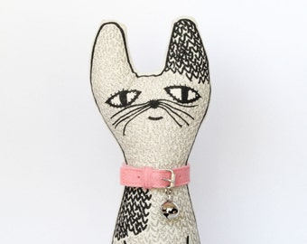 Cotton Cat with collar
