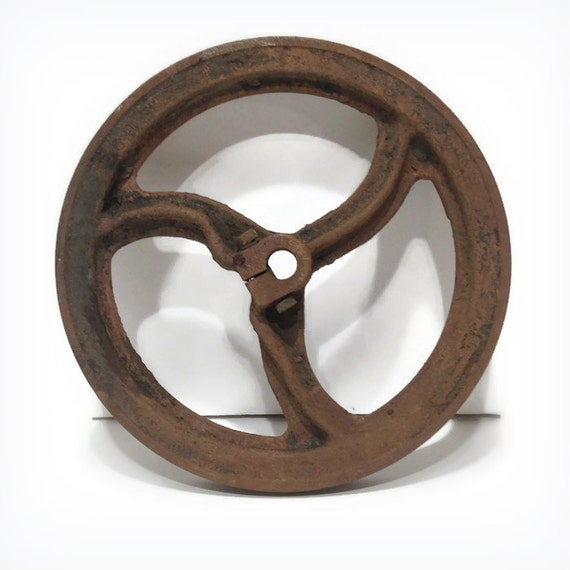 Antique pulley wheel pulley wheel cast iron pulley wheel for Uses for old pulleys