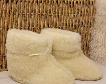 100% Sheep Wool Boots Cozy Foot Slippers Hard Sole Sheepskin Mens  Natural Cream Colour