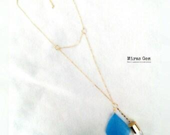 16kgp blue feather & crystal quartz long necklace