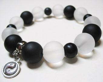 Black Onyx Bracelet-Black&White Bracelet-Quartz Crystal Bracelet-Ying Yang Bracelet-Beaded Bracelet-Stretch Bracelet-Ooak Bracelet
