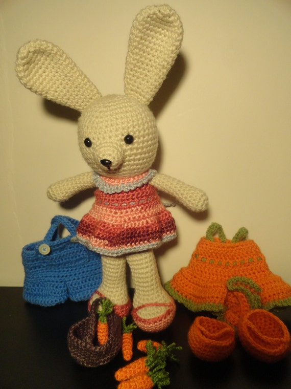 SET Dress Me Bunny with clothes and carrot basket
