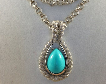 Intriguing Signed Avon Turquoise Color Silver Tone Vintage Estate Necklace