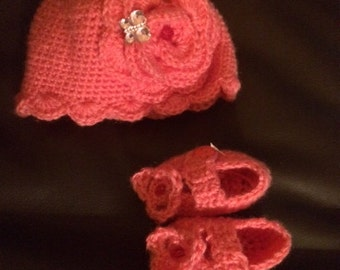 Hot Pink Hat and Booties Size 0-3 months