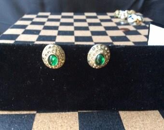 Vintage Silver Tone Emerald Green Rhinestone Screwback Earrings