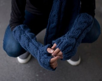Fingerless Gloves in Navy Blue / Arm Warmers / Fingerless Mittens