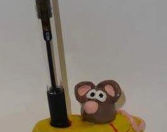 Mouse pen holder
