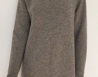 Out/Yakwoolpullover raglan sweater with raglan sleeve