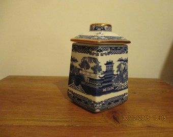 Tea Caddy Willow patter