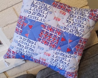 Quilted seaside cushion