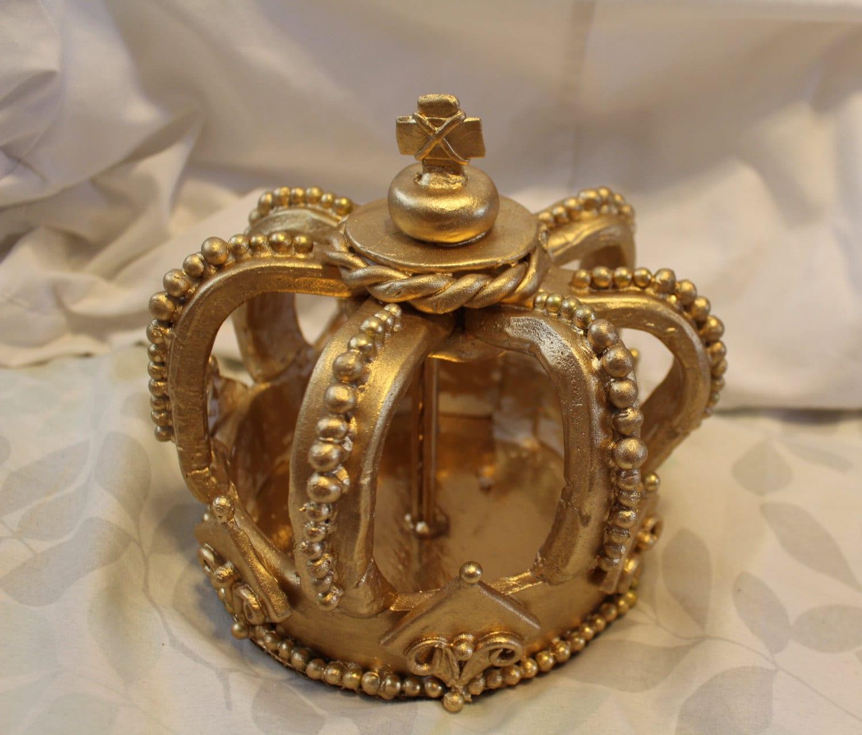 Crown cake topper. Cold ceramic. 6 diameter. Regal