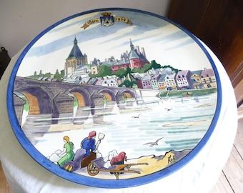 Large dish signed Gien Rob