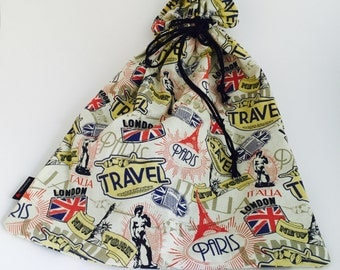 Travel the world. One shoe bag at a time