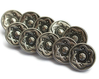 Silver Flower Button. Craft Button. Vintage Style Button. Rustic Style Button. 10 Pieces.