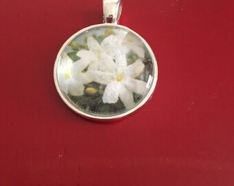 White Flower Glass Pendant Necklace