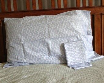Light blue print pillowcase, pair