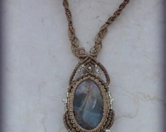macrame necklace sky onix, macrame pendant with sky onix, macrame gemstone pendant