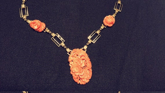 "Vintage Ladies 14K Gold and Coral 16"" Necklace"