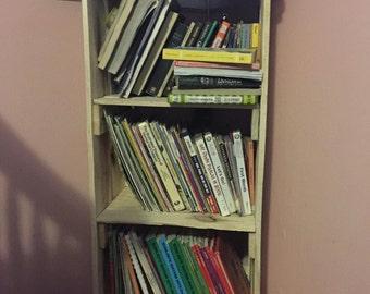Custom Pallet Bookshelf