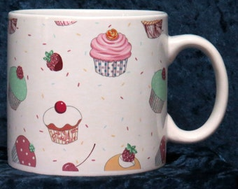 1 pint ceramic mug with colourful cupcakes chintz design all round