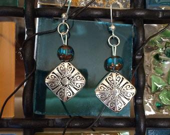 Casual earrings.