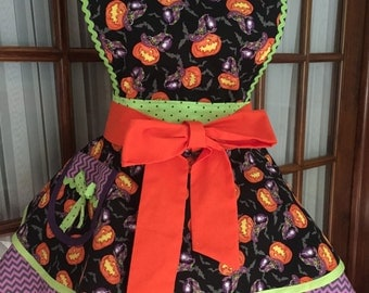 Halloween Apron - Full Halloween Apron - Bats in My Belfry Halloween Apron - Cute Halloween Apron - 1950s Retro Pin Up Apron