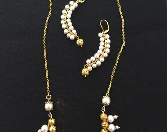 Glass Pearl and Filigree Necklace