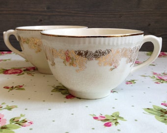 Antique teacups - Two vintage teacups - Vintage ceramic mugs - English tea cup - Antique cups - Old tea cups