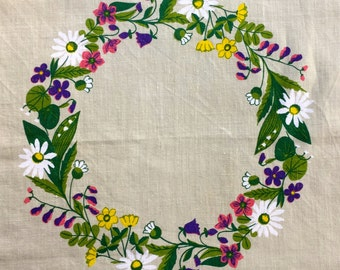 Lovely printed tablecloth with summer flowers