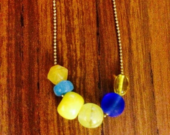 Graphic glass bead necklace