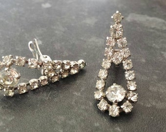 Gorgeous, unusually large (for the period) 4cm long 1950's diamante clip on earrings.