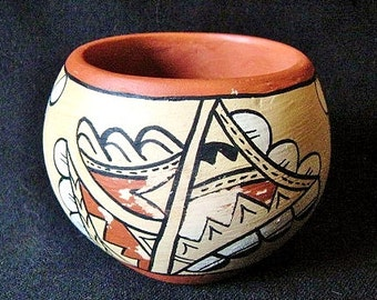 Vintage Jemez Pueblo Native American Indian Pot by G. Slivers