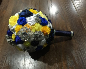 Navy, yellow and grey wedding bouquet