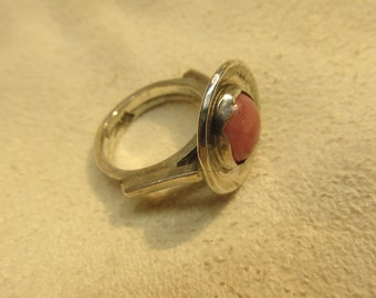 Pink stone. Ring. Size 6.5