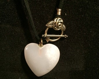 Heart and rosebud necklace