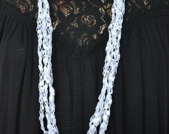 Snow White (Ladder yarn Necklace)