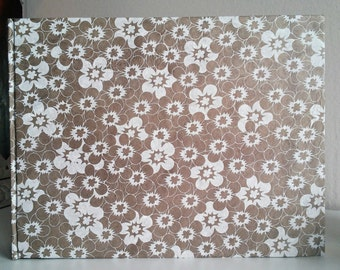 White/Gold 15x21 paper flowers albums