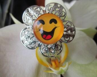 RING flower cabochon pressure reasons smiley big smile