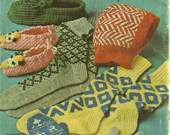 Crochet Knit Hats Mittens Socks Slippers Coats and Clark's Book No 135