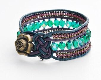 Celtic knot leather manchette bracelet. Wrap bracelet. Vintagebracelet. Beaded.