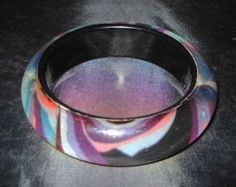 Multicolour Bangle swirl pattern
