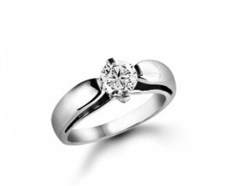 Ring gold 18 k with diamonds 0.92 CT