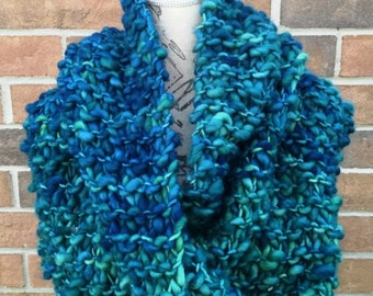 Beginner knitting kit, Infinity scarf knitting kit, DIY knitting kit, Merino wool, Malabrigo yarn, chunky cowl, oversized scarf, gift idea