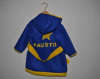 Child bathrobe customized to your child's first name